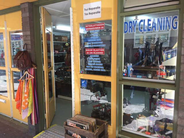 Nieuwmarkt Clothing Repair & Dry Cleaning